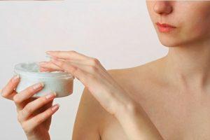 Лечение прыщей и высыпаний на плечах и груди
