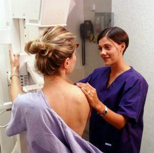 Для диагностики очаговой мастопатии проводят маммографию