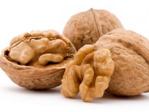 Польза грецких орехов при грудном вскармливании
