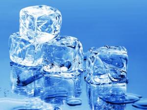Массаж со льдом для подтяжки груди